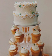 Daisy Wedding Maxi Cake and Cupcakes Melbourne